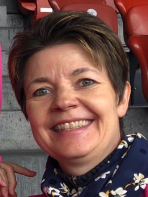 Dominique Strauch, Sekretärin